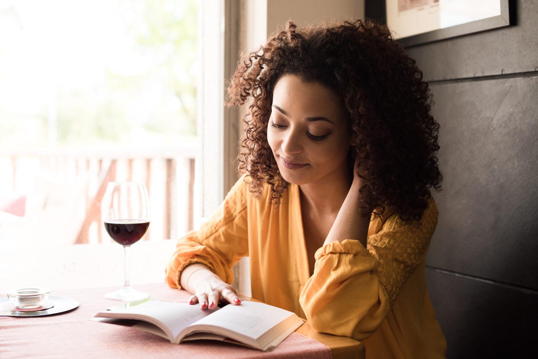 book-lover-attractive-reading-e1466693628914.jpeg