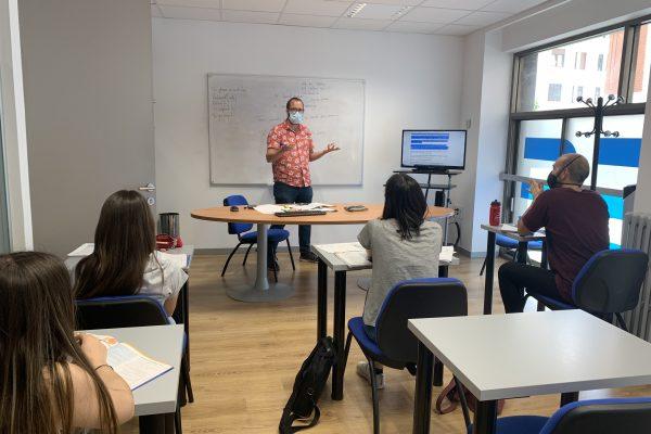 cursos intensivos de inglés verano